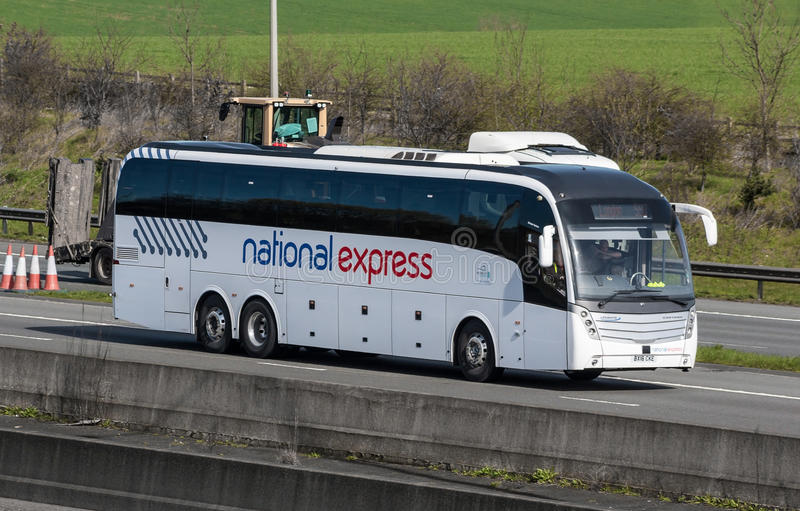 Brittisk nationell uttrycklig buss royaltyfria foton