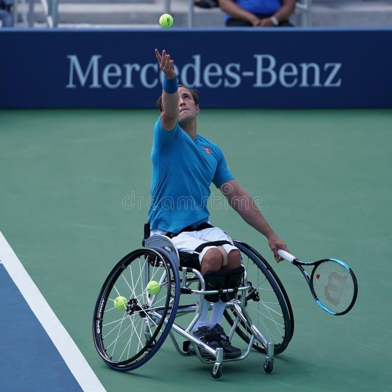 Brittisk yrkesmässig rullstoltennisspelare Gordon Reid i handling under semifinalen 2017 för singlar för ` s för US Openrullstolm royaltyfria bilder