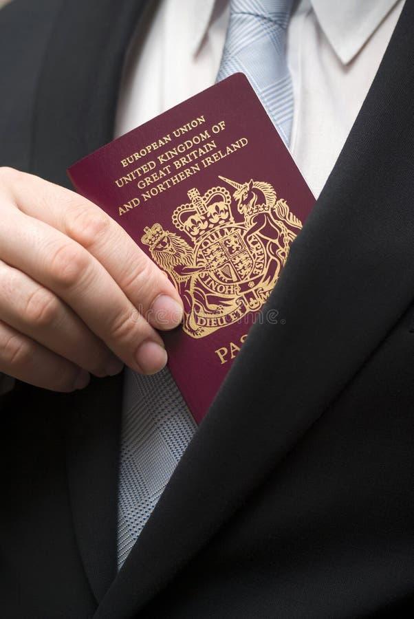 brittiskt pass royaltyfri fotografi