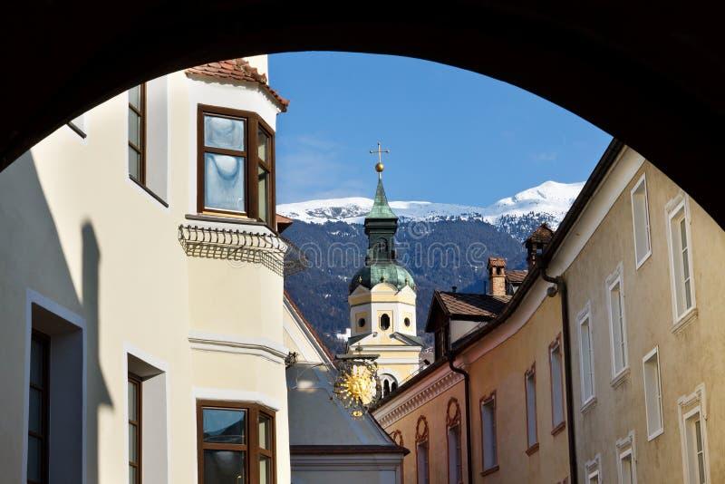 Brixen/Bressanone in Südtirol stockbilder