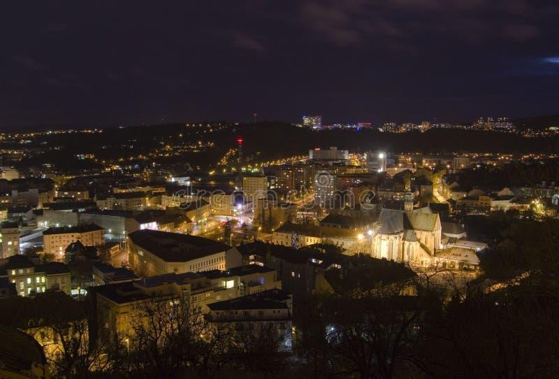 Brno stad - Mendel fyrkant med ½ Panny Marie för basilikaNanebevzetï ¿ Centraleuropa - Tjeckien arkivbild