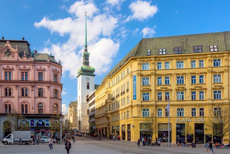 Brno Tjeckien - April, 2018: Gammal stad av den Brno frihetsfyrkanten i vår Huvudstad av den Moravia regionen, Tjeckien arkivfoto