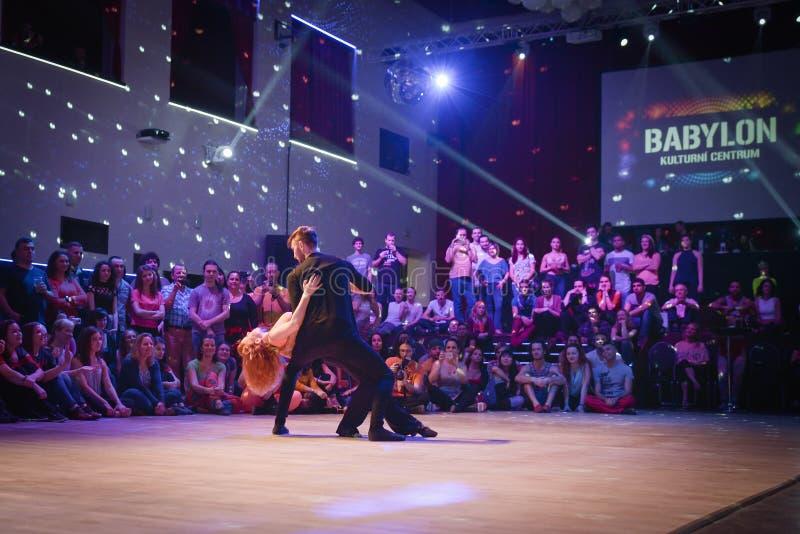 Brno Tjeckien - September 30th 2017: Brasiliansk dansshow av begåvade dansare royaltyfria bilder