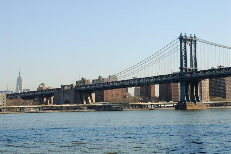 bro östliga manhattan över floden royaltyfri foto