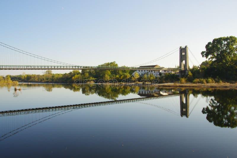 Bro över floden Ardèche Frankrike royaltyfria foton