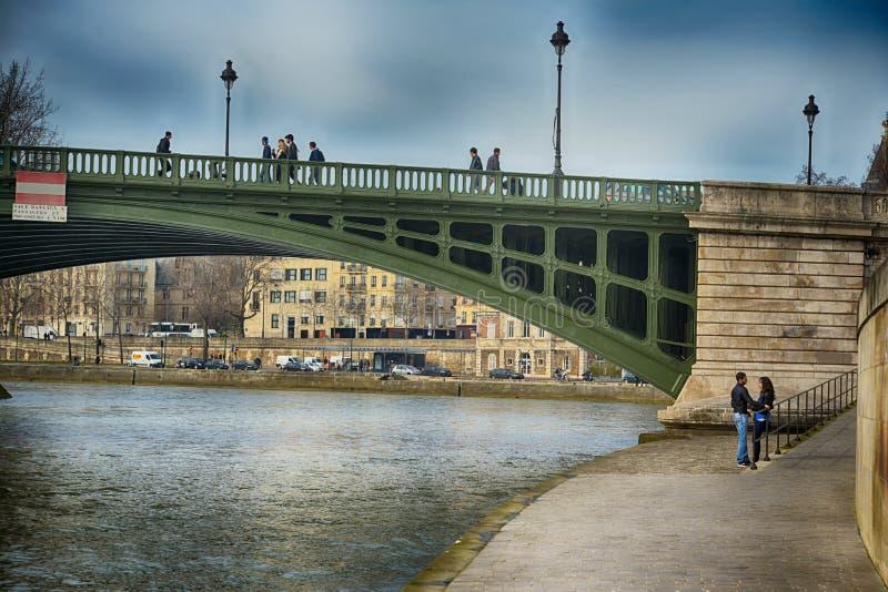 Bro över Seine, Paris arkivfoto