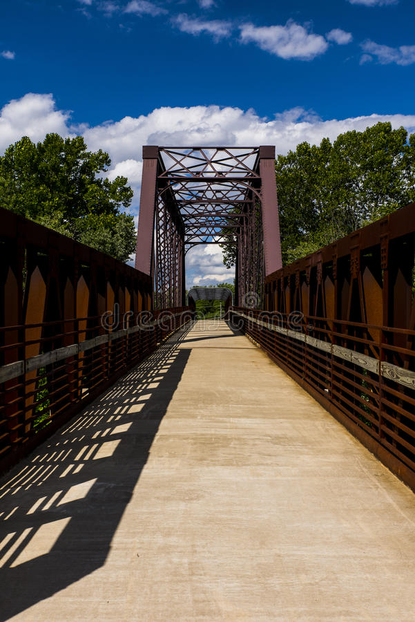 Bro för Erie järnvägMahoning flod royaltyfria foton