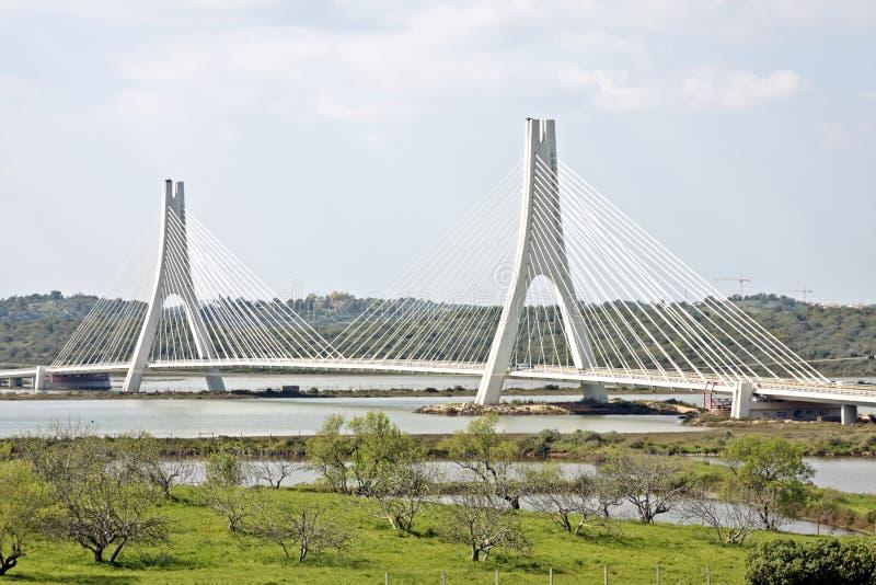 bro nära portimaoen portugal arkivfoto