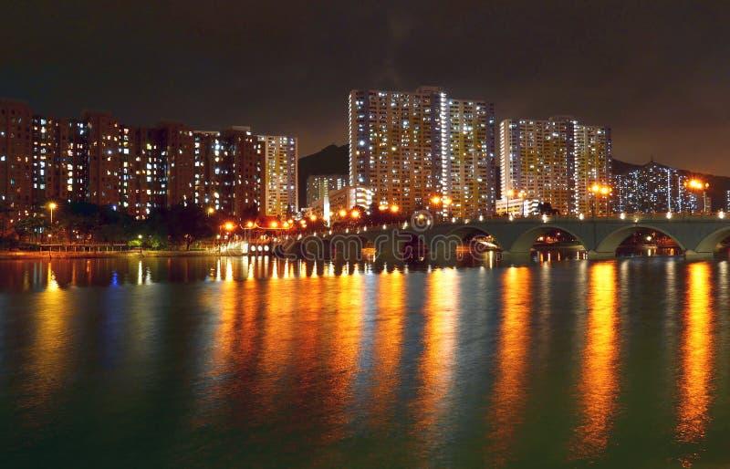 Bro och bostads- lägenhet i Hong Kong royaltyfria bilder