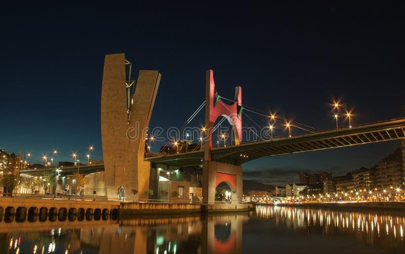 Bro på Bilbao arkivfoto