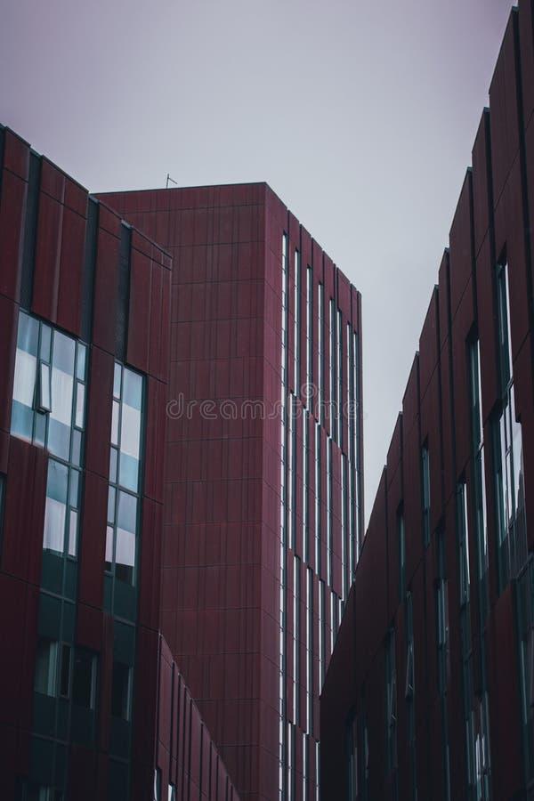 Broadcasting Tower op volle dag stock foto
