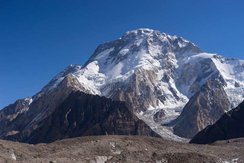 Broadpeak na manhã, K2 passeio na montanha, Paquistão imagens de stock
