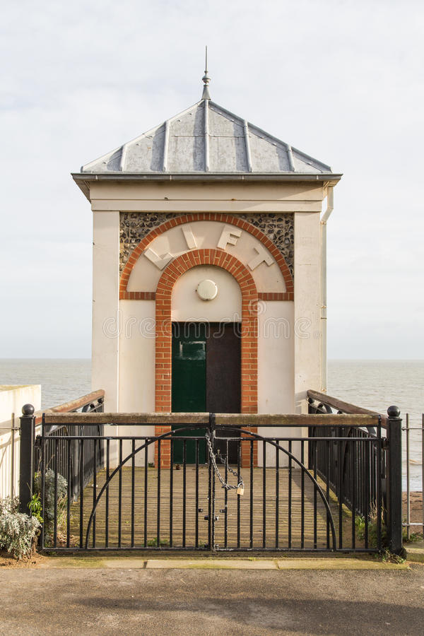 Broadstairs, Millennium cliff lift. The 'Millennium Cliff Lift'  is built of brick, with rendering to match the adjacent cliff steps and buildings, the lift stock image