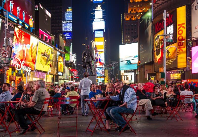 broadway纽约 时代广场在夜之前 免版税库存照片
