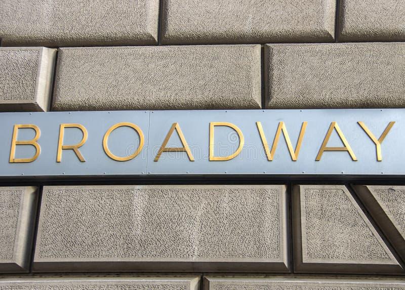 Broadway assina dentro New York imagens de stock royalty free