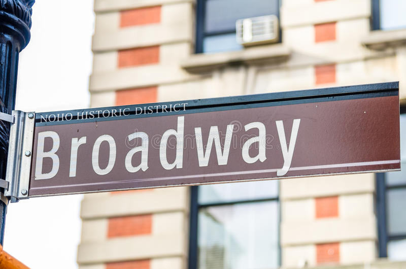 Broadway assina dentro o Greenwich Village fotos de stock royalty free