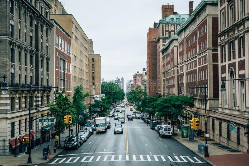 Broadway, bij de Universiteit van Colombia in Morningside-Hoogten wordt gezien, de Stad die van Manhattan, New York stock afbeeldingen
