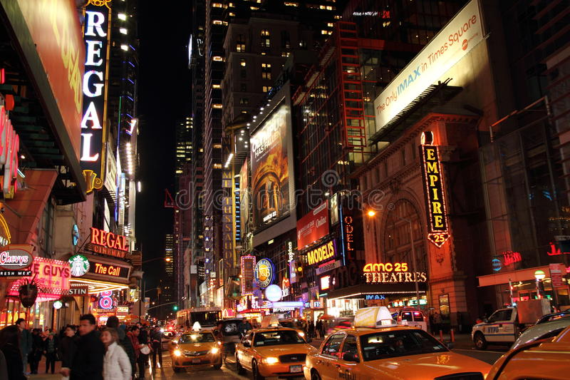 Broadway bij Nacht stock afbeelding