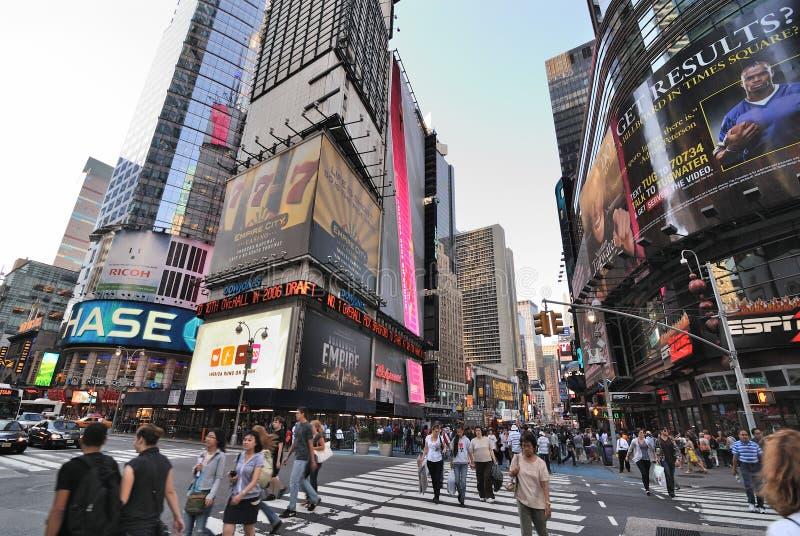 Broadway e 42nd interseção da rua imagem de stock