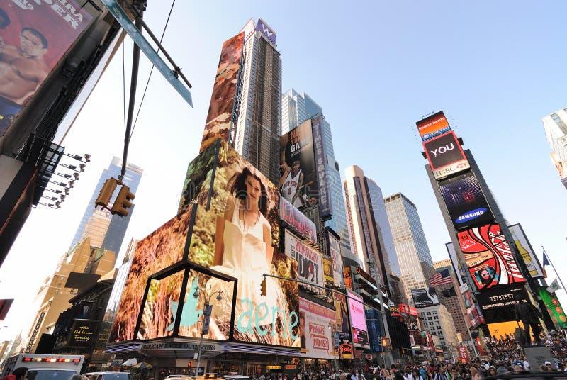 Broadway en de 42ste Kruising van de Straat