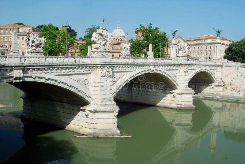 Broar över floden Tiber i Rom - Italien arkivfoto