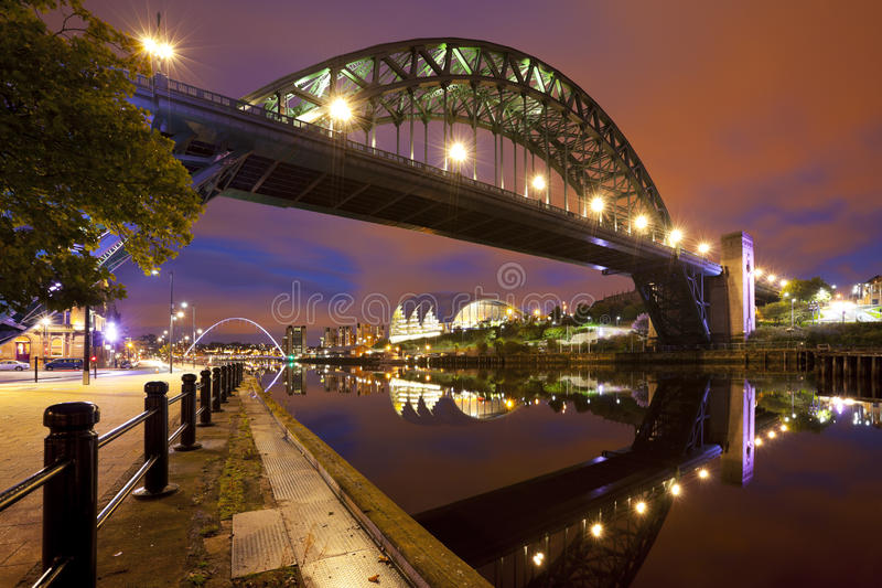 Broar över Riveret Tyne i Newcastle, England royaltyfri foto