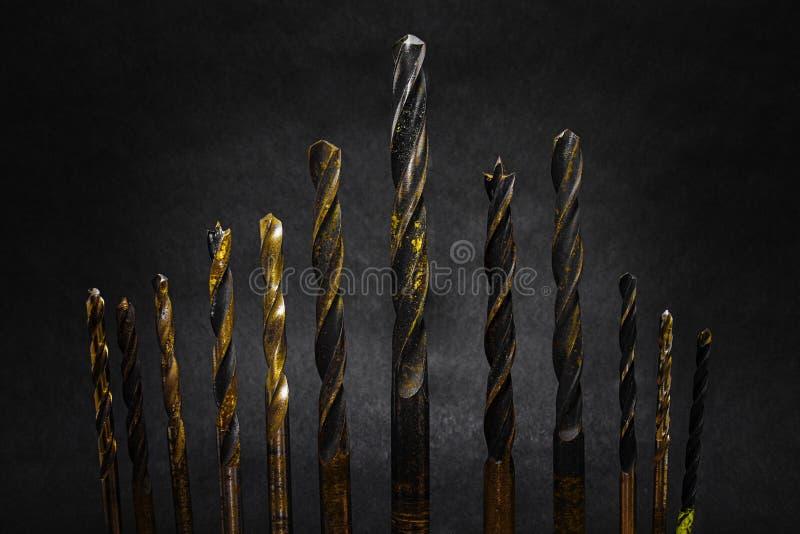 Brocas em um fundo escuro foto de stock royalty free