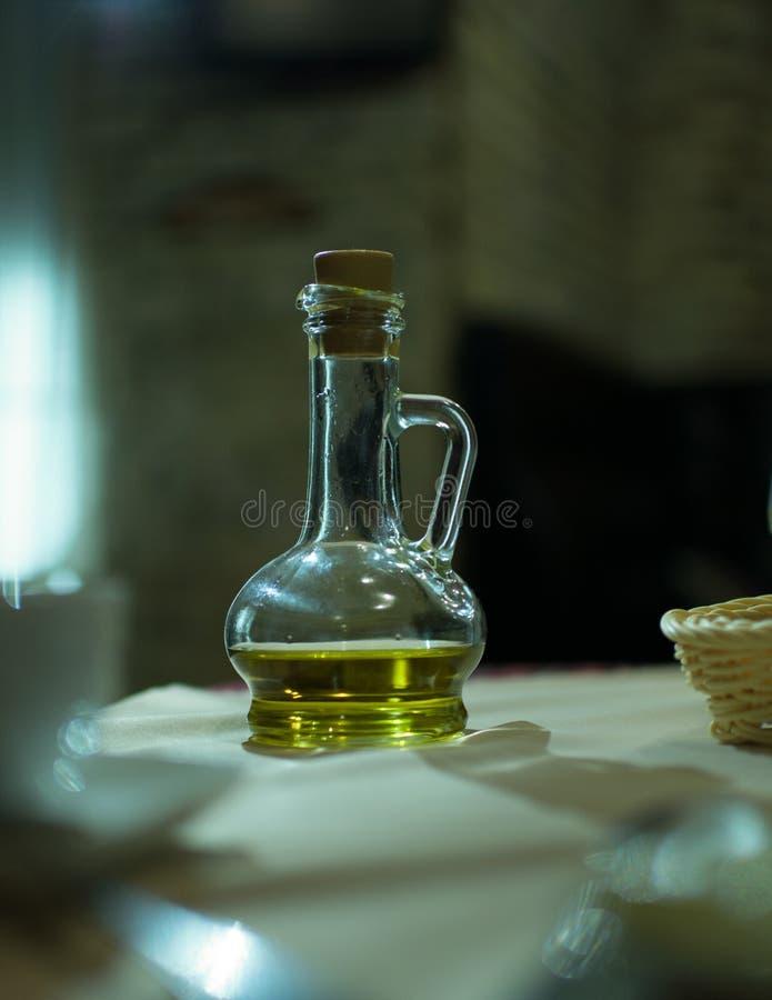 Brocca dell'olio immagini stock libere da diritti