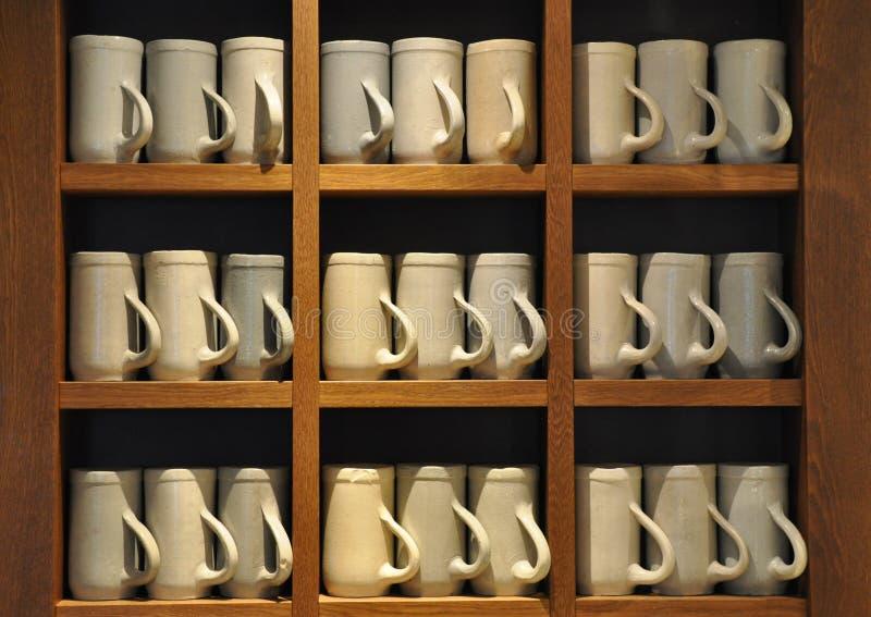 Brocche ceramiche della birra fotografia stock