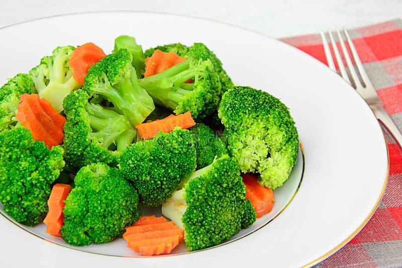 Broccoli en wortelen De Voeding van de dieetgeschiktheid royalty-vrije stock afbeeldingen