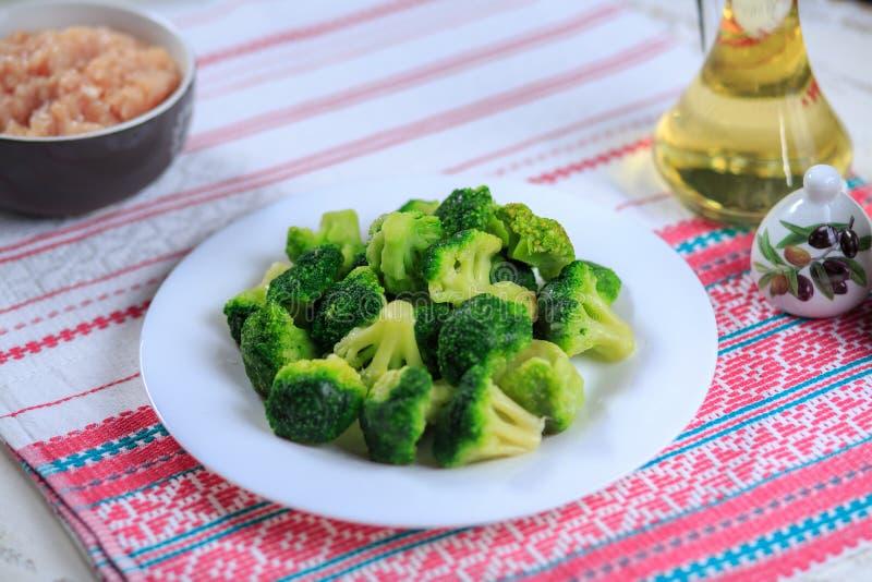 Broccoli grezzi fotografia stock libera da diritti