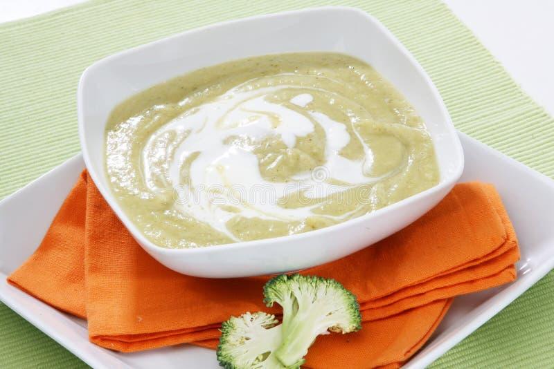 broccoli lagar mat med grädde soup arkivbild
