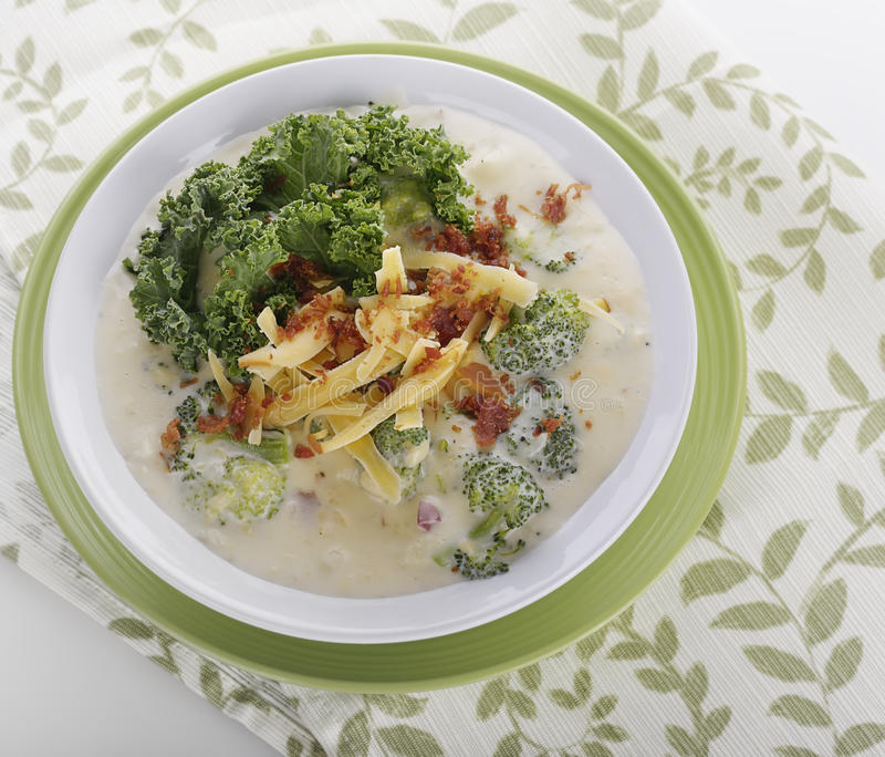 broccoli lagar mat med grädde soup arkivbilder