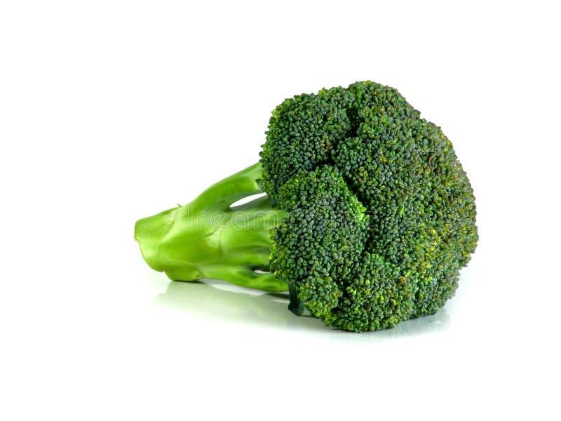 Broccoli organici freschi isolati su fondo bianco Fine in su fotografia stock
