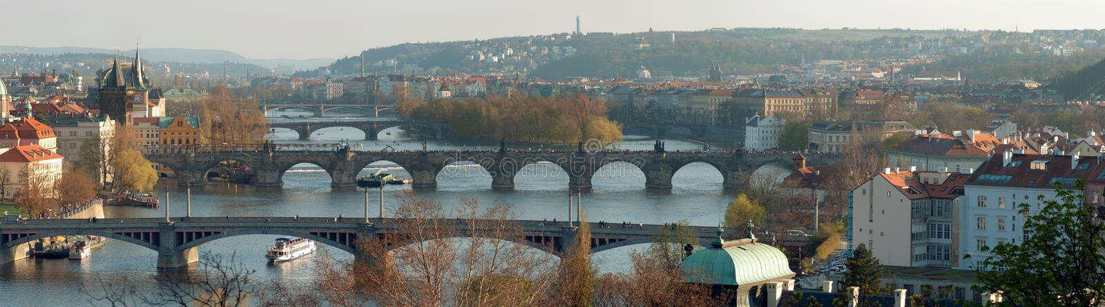 Download Brocharles panorama prague arkivfoto. Bild av trafik - 19793710