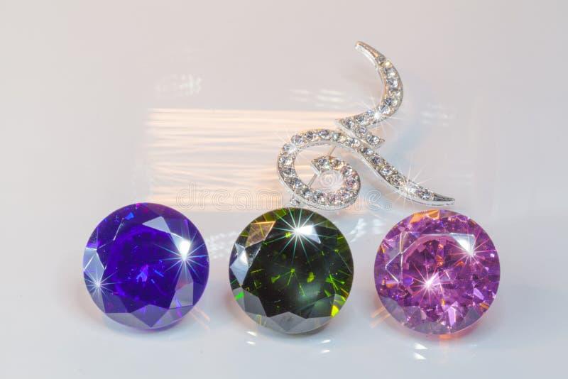 broches du numéro neuf décorées par des diamants photos stock