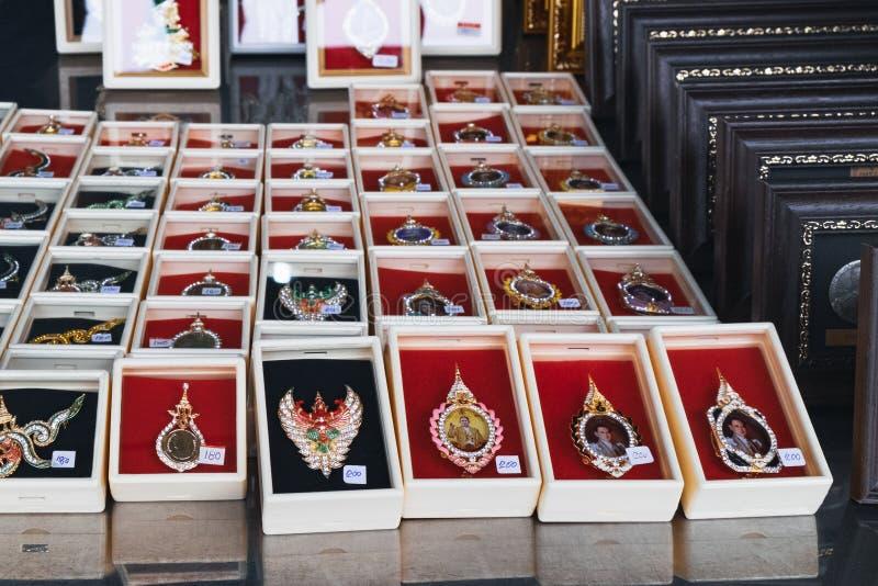 Broches voor verkoop in de straatmarkt in Bangkok royalty-vrije stock foto's