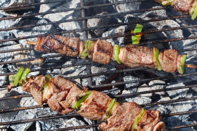 Brochettes говядины на барбекю стоковые фото