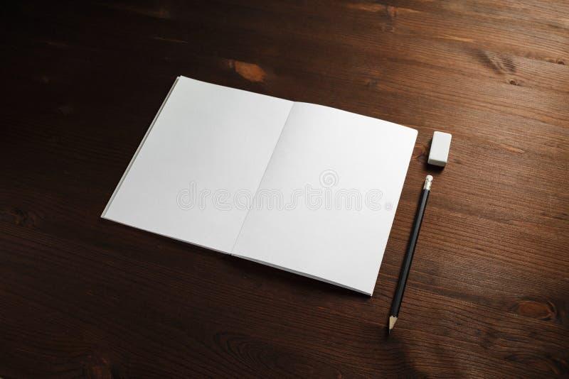 Brochure, potlood, gom royalty-vrije stock afbeeldingen