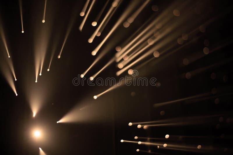 Brocken 5 1 instalación ligera de Yasuhiro Chida en el cuadrado de la república en Praga durante el festival 2016 de la luz de se imágenes de archivo libres de regalías