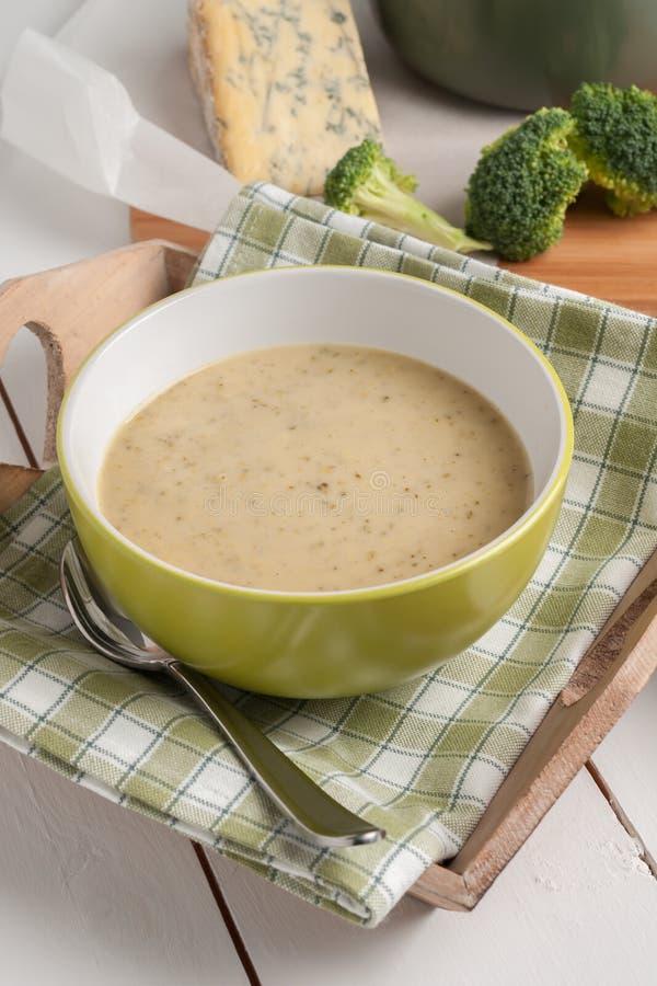 Brocoli et soupe à stilton photo stock