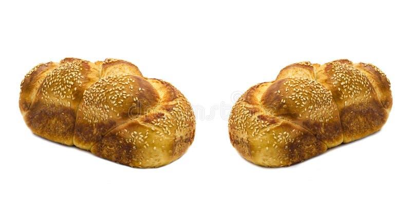 Broden van brood dat op wit wordt geïsoleerds stock foto's