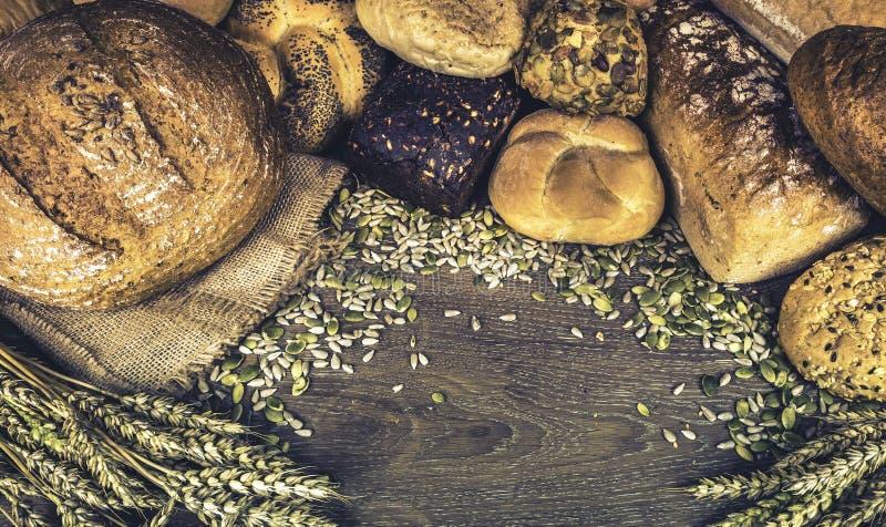 Broden van brood en broodjes stock afbeelding