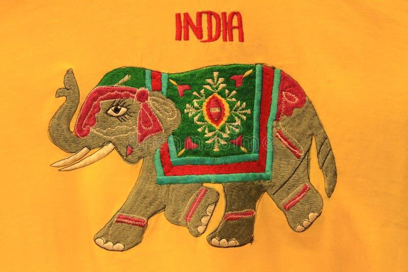 Broderie d'éléphant d'Asie photographie stock libre de droits