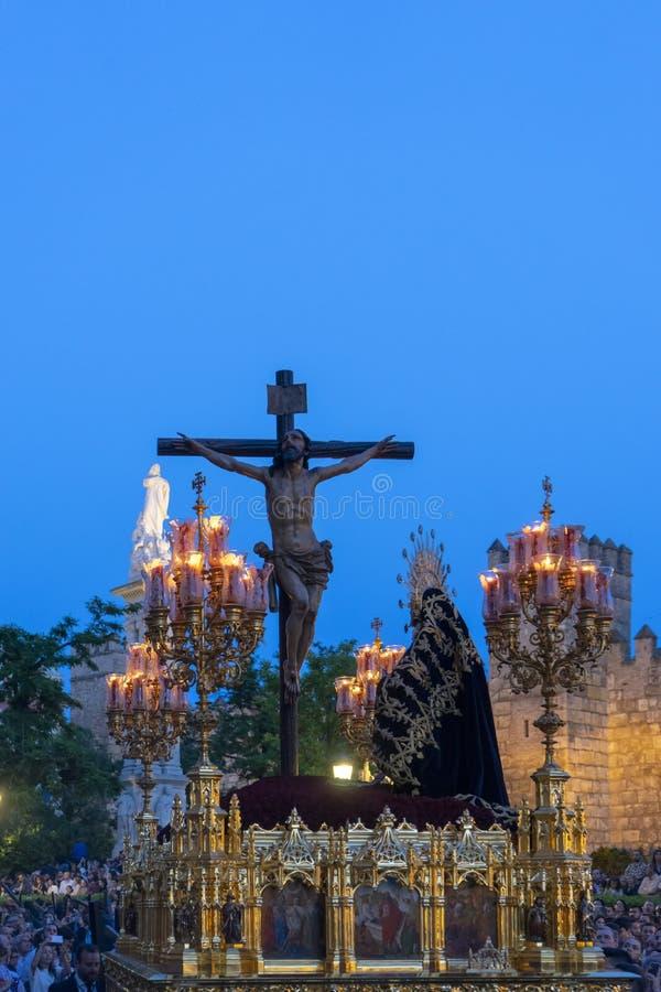 Broederschap van Santa Cruz in de Heilige Week in Sevilla royalty-vrije stock afbeeldingen