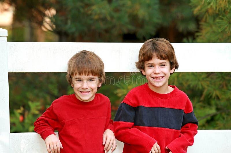 Broers in Rood royalty-vrije stock fotografie