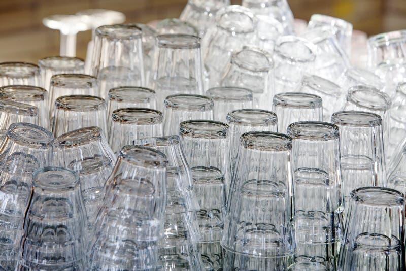 Download Brogujący czyści szkła obraz stock. Obraz złożonej z wiązka - 53777141