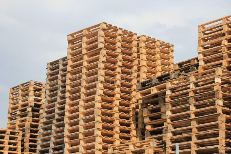 Brogujący Drewniani Barłogi zdjęcia royalty free