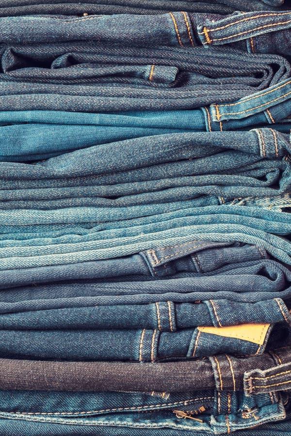 Brogujący moda niebieskich dżinsów zbliżenie obrazy stock