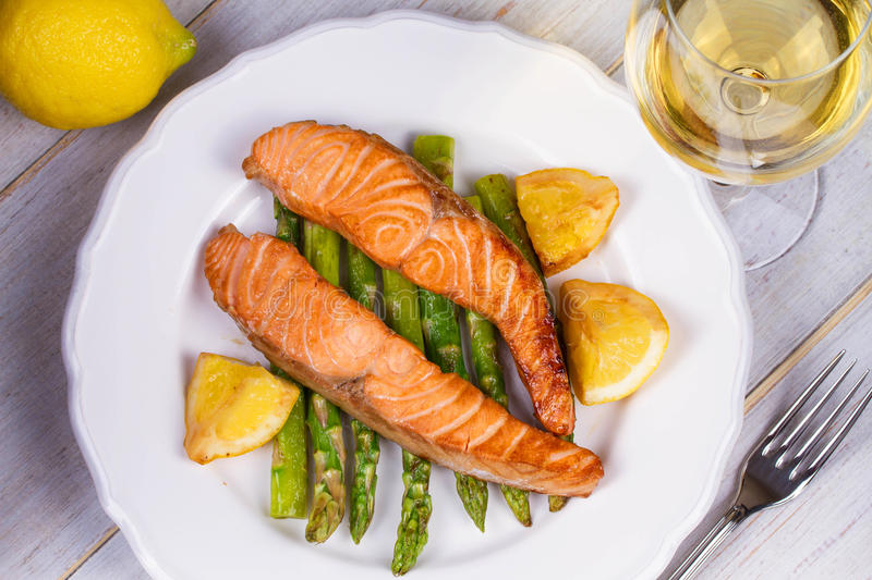 Broiled Salmon and Asparagus. royalty free stock images